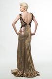 Lange de Manierkleding van de vrouwenschoonheid, Elegant Meisje in Gouden Toga Royalty-vrije Stock Afbeeldingen