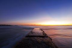 Lange die blootstelling van een kust in Griekenland wordt geschoten Royalty-vrije Stock Foto's