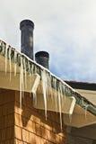 Lange Eiszapfen Stockfotografie