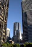Lange gebouwen de stad in Stock Afbeeldingen