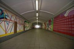 Lange grafische tunnelstraat Stock Afbeeldingen