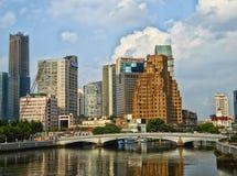 Lange moderne gebouwen in Shanghai Royalty-vrije Stock Fotografie