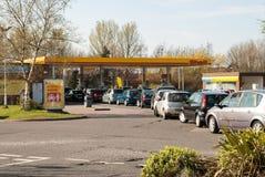 Lange rijen voor brandstof in het UK royalty-vrije stock fotografie