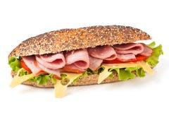 Lange sandwich met sla, tomaten en ham stock fotografie