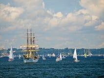 Lange schepen die aan een ras in Gdynia, Polen deelnemen Royalty-vrije Stock Afbeeldingen