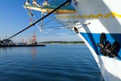 Lange schepen in haven Royalty-vrije Stock Afbeelding