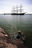 Lange schepen in haven Stock Afbeelding