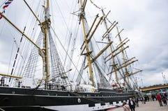 Lange schipparade in de Haven van Rouen tijdens ARMADA royalty-vrije stock fotografie