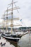 Lange schipparade in de Haven van Rouen tijdens ARMADA stock afbeeldingen