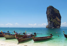 Lange staartboten in Krabi-Stranden en Eilanden Thailand Stock Afbeeldingen