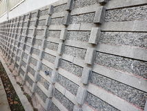 Lange steenomheining/muur Stock Afbeeldingen