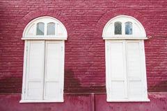 Lange witte vensters Royalty-vrije Stock Fotografie