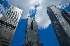 Lange Wolkenkrabbers Stock Afbeeldingen