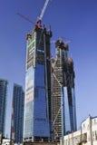Lange wolkenkrabbers in aanbouw, Dalian, China Royalty-vrije Stock Foto's