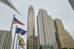 Lange wolkenkrabbers in Lower Manhattan in NYC stock afbeeldingen