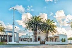 LANGEBAAN, SURÁFRICA, EL 20 DE AGOSTO DE 2018: La primera iglesia reformada holandesa histórica, ahora iglesia metodista, en Lang imágenes de archivo libres de regalías