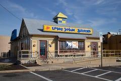 Langer John Silvers Restaurant Exterior Lizenzfreies Stockfoto