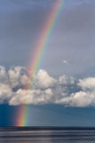 Langer Regenbogen lizenzfreies stockbild