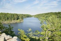 Langer Teich von übersehen Stockbilder