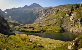 Langer Teich von Milouga in den Pyrenäen Stockfotografie