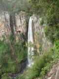 Langer Wasserfall Lizenzfreies Stockfoto