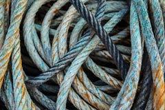 Langes blaues Fischen Seil Stockbild