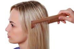 Langes Haar und Kamm Lizenzfreies Stockbild