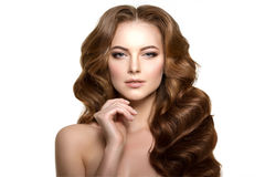 Langes Haar Wellen-Locken-Frisur Schönheits-Frau mit dem langen gesunden und glänzenden glatten schwarzen Haar Updo Modemodus lizenzfreie stockfotos