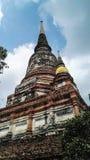 Langes hohes Treppe stupa für beten Lizenzfreie Stockfotos