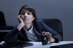 Langeweile im Büro Stockfoto