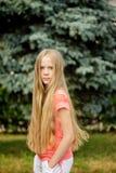 Langhaariges blondes Mädchen Stockfotografie