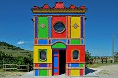 Langhe, iglesia colorida cerca de alba Fotografía de archivo