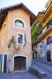 Langhe, Piamonte Italia: fachada típica de la manguera Imagen del color Fotografía de archivo