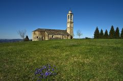 Langhe - Sanctuary玛丹娜在普鲁内托的del Carmine 免版税库存照片