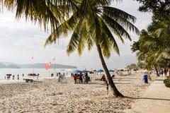 Langkawi, Malásia, o 21 de dezembro de 2017: Praia bonita de Langkawi Imagens de Stock