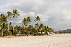 Langkawi, Maleisië, 21 December 2017: Wit zandig strand van Langkawi Stock Afbeelding
