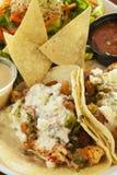 Langostino-Tacos, auch gekennzeichnet als Garnelentacos Lizenzfreie Stockbilder