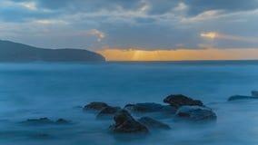 Langsamer Sonnenaufgang-Meerblick stockbilder