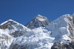 Langste de wereld zet Everest op is Mooie sneeuwberg in Nepal stock afbeelding