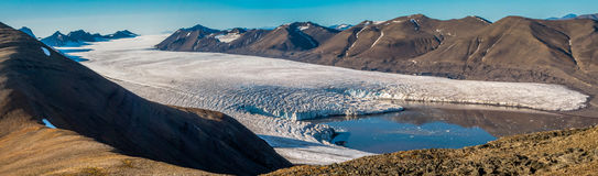 Langue de glacier dans des îles du Svalbard de Norvège Image libre de droits