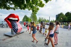 Langue et lèvres célèbres de The Rolling Stones au pilier de marine de Chicago Photos stock