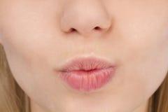 Languettes femelles de baiser photos libres de droits