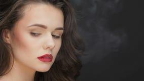 Langzaam motieconcept kwaad van het roken stock footage