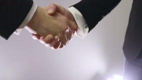 Langzame Motie Handdruk van partners stock video
