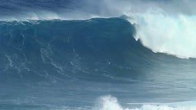 Langzame Motie: Het lege Oceaangolf Verpletteren stock videobeelden