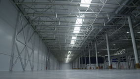 Langzame Motie Hoge Lege Zaal Fabrieksopslag stock video