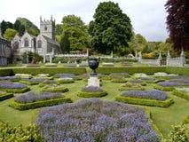 Lanhydrock Gärten und Kirche Stockfotos