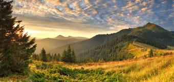 Lanscape bonito da montanha Fotos de Stock Royalty Free