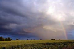 Lanscape con el arco iris Imagen de archivo libre de regalías