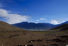 Lanscape con le montagne ed il lago, Ladakh, India Fotografia Stock Libera da Diritti